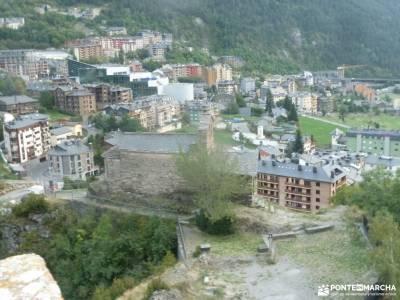Andorra -- País de los Pirineos;trek de montaña senderos de montaña parque natural cañon de rio lobo